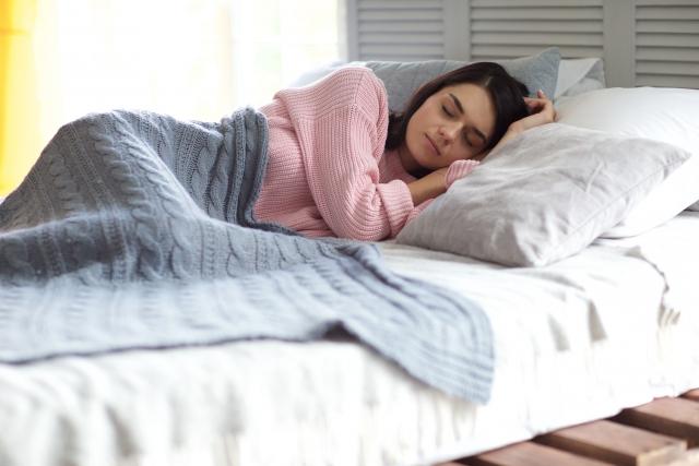 睡眠不足は太る